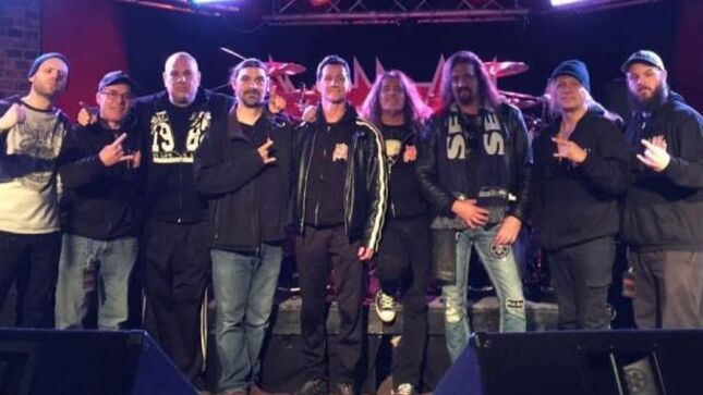 """CHRIS CAFFERY Pays Tribute To METAL CHURCH Vocalist MIKE HOWE - """"It Was A Complete Pleasure To Tour With Mike And Listen To Him Sing Every Night"""""""